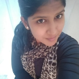 Rathi Chennai Tamil Nadu Chennai Based Fashion Designer Gives Basic Hand Embroidery Classes That S Easy For Anyone To Learn