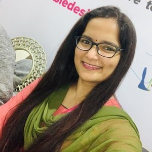 Pratima Hyderabad Andhra Pradesh Freelance Fashion Designer Fashion Entrepreneur Giving Tutorials For English Hindi Fashion Designing
