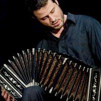 Bandoneon: Argentinian Tango and Folk music private lessons in Paris (Metro Jaures)