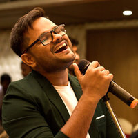 Expert vocal coach who worked for AR Rahman with 20 years of performing and 10 years of teaching experience. Master the art of implementing advanced vocal techniques in all Indian & Western Genres.