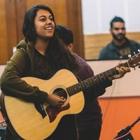 Grade 8 graduate from Trinity College, London gives vocal and guitar lessons