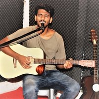 Learn to play guitar in just 2hrs at best prices in Delhi and NCR