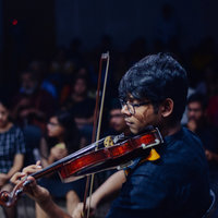 Ex member of the Symphony Orchestra of india (Mumbai) gives violin classes