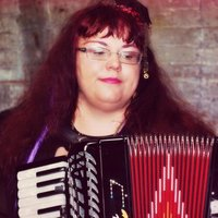 Qualified accordion/keyboard music tutor with 15 years of experience gives lessons at home in Wigan
