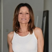 State-certified teacher in France and the United States teaches Pilates, Joint relaxation and stretching, De Gasquet Method