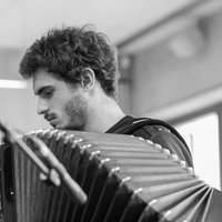 Student in higher cycle at the conservatory gives courses of chromatic accordion solfège and improvisation at home in Paris